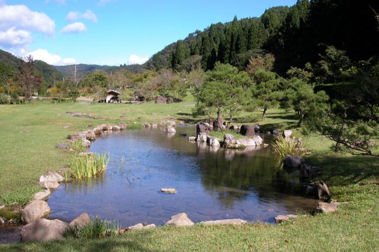 東氏館跡庭園(古今植物園)