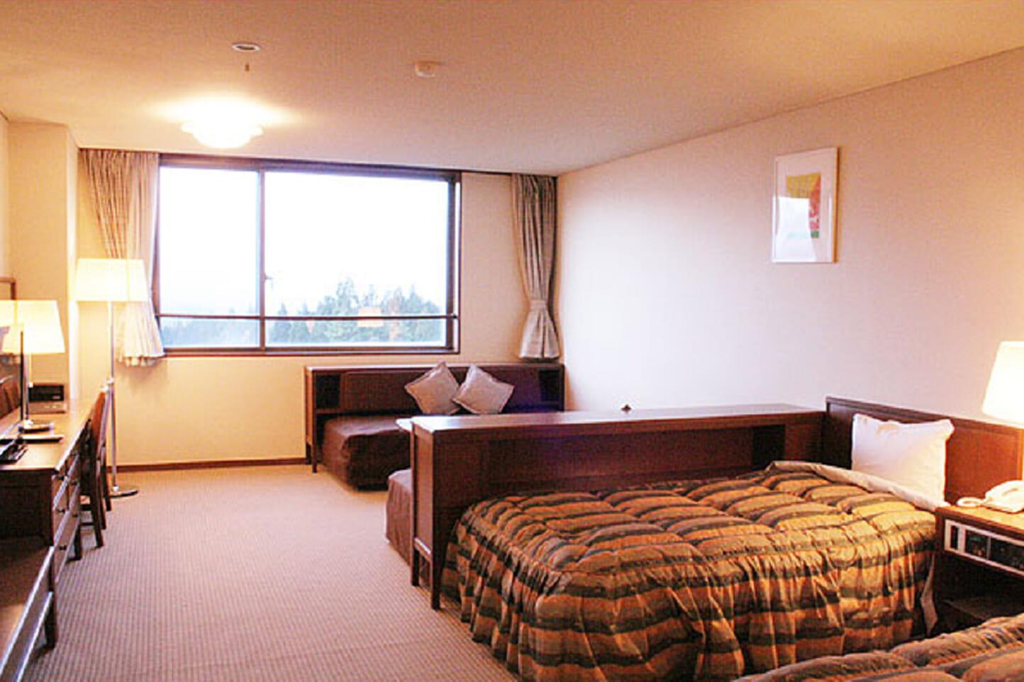 鷲ヶ岳高原ホテル新館 スライダー画像3