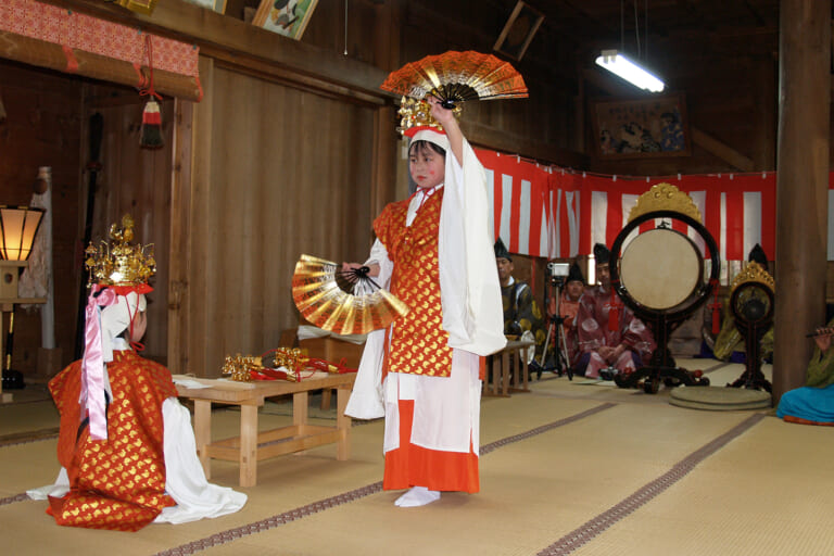 白山中居神社春季例祭