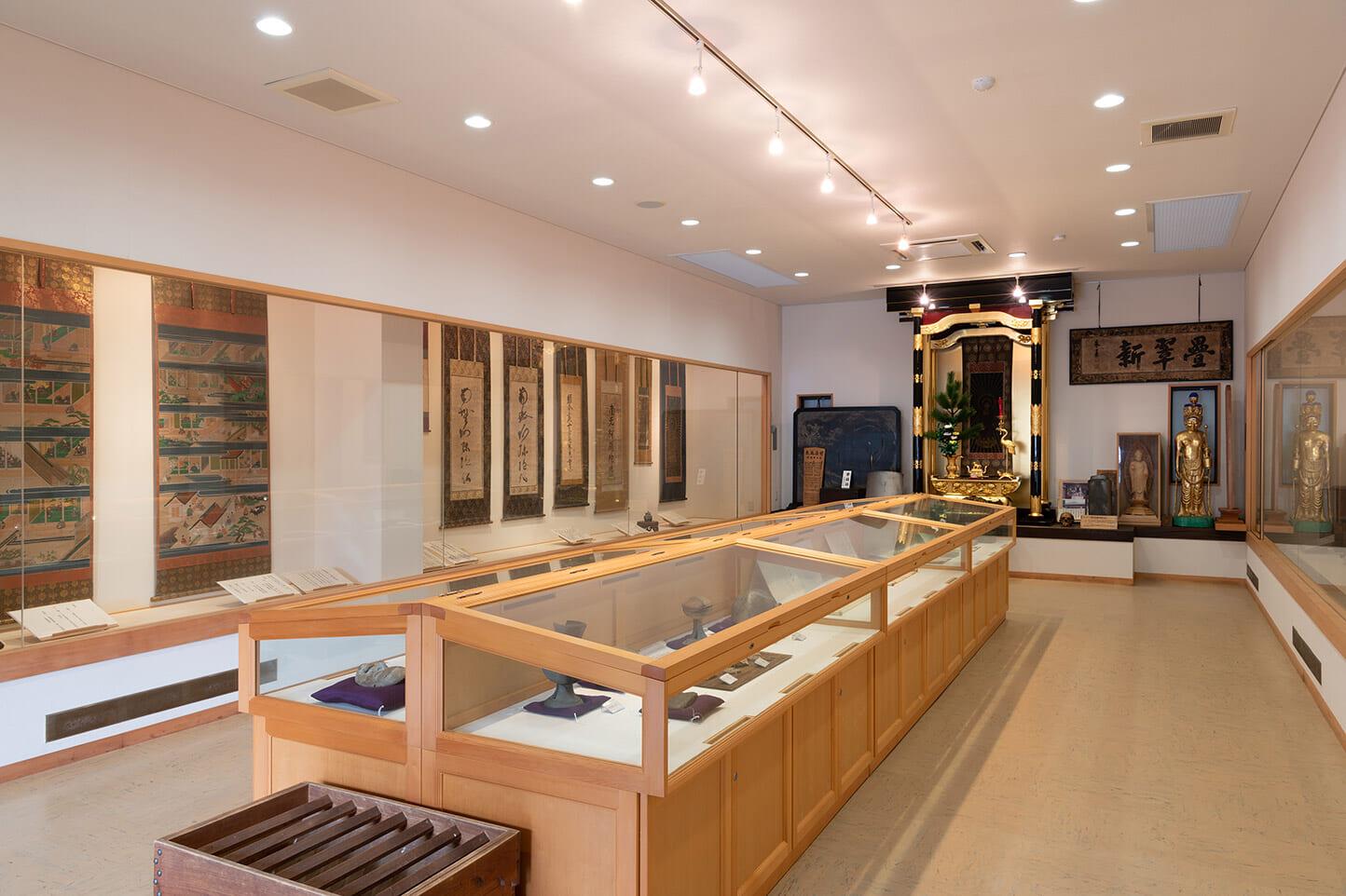 遠郷山安養寺宝物殿 スライダー画像2