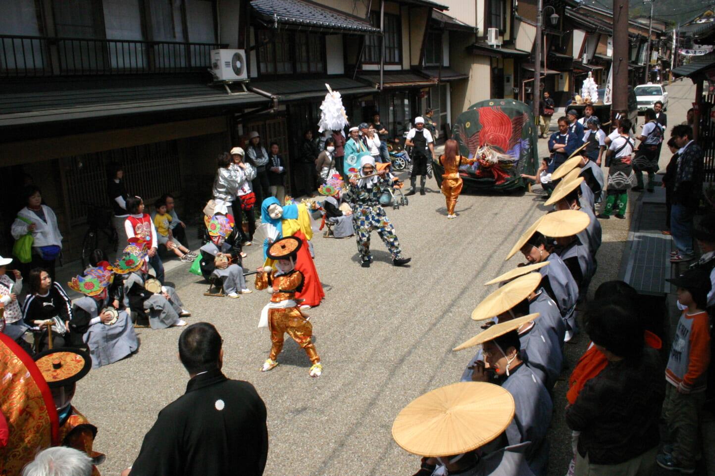 日吉神社大神楽  スライダー画像3