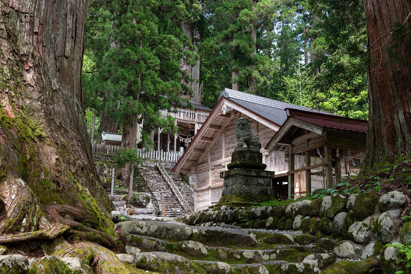 白山中居神社 スライダー画像2