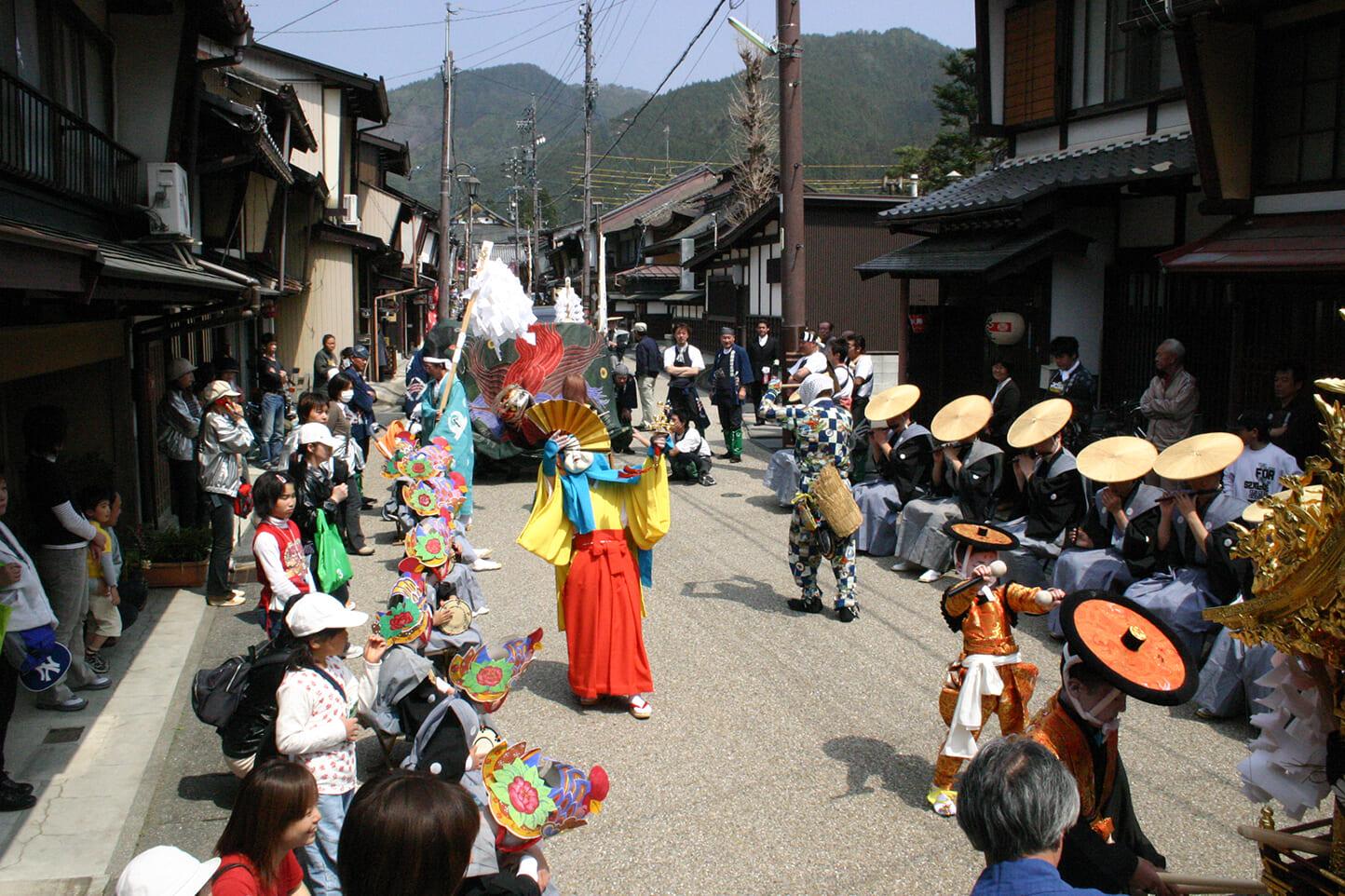 岸剣神社の大神楽  スライダー画像2