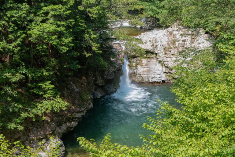 小川の大滝