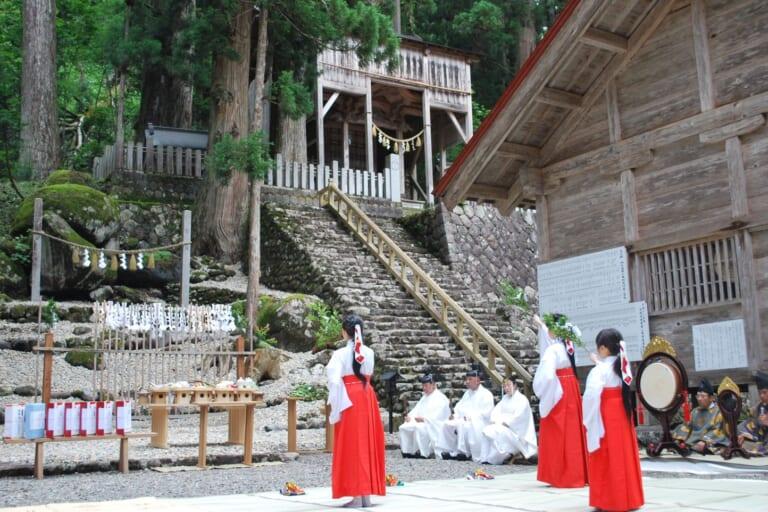 白山中居神社創業祭