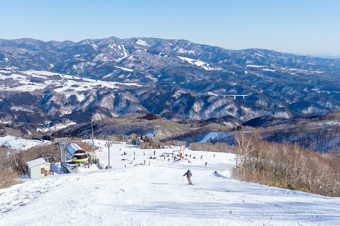 郡上のスキー場へは無料シャトルバスでの移動が便利です!