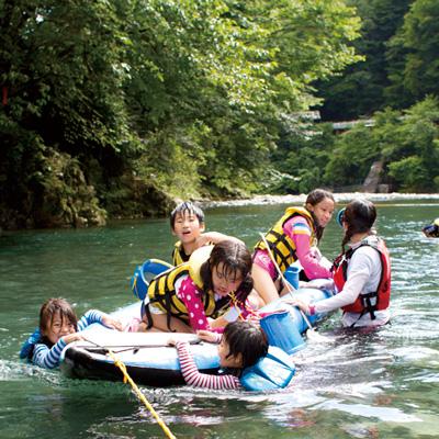 郡上の自然体験「川遊び」