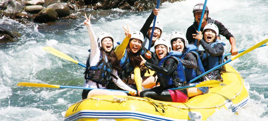 長良川でラフティング